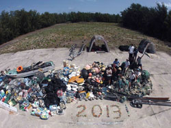 13,795-kg pile of derelict fishing gear and plastic debris